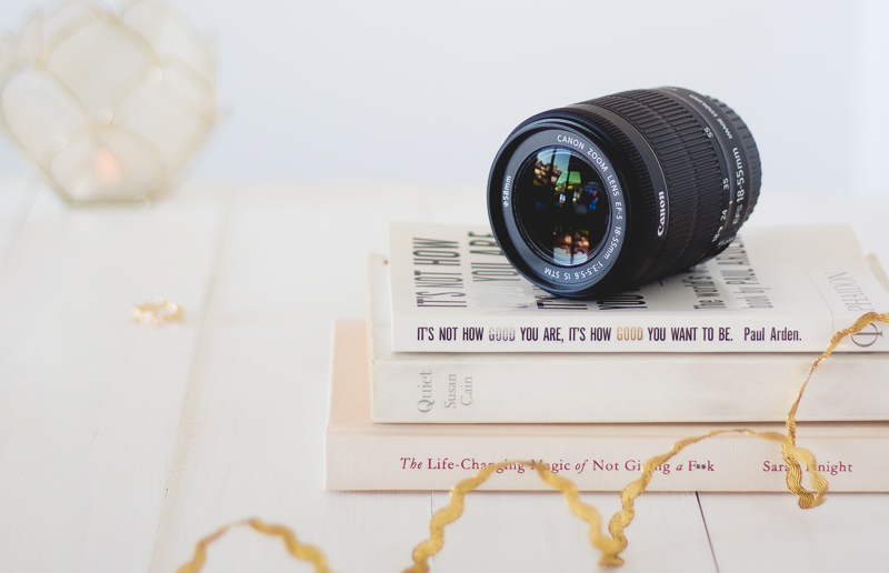 An Easy Beginner's Guide To Manual Mode | Want to make the most of your DSLR camera & up your blog photography game? Switch up to manual mode. Find here an easy beginner's guide! Click to find more or pin it for later! #lbloggers #blogphotography #DSLR